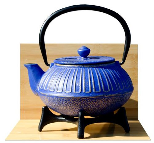 Star Trivet 125 & IMPERIAL cast iron tea pot kettle 0.6L Midnight blue on gold colour Tetsubin Japanese style GOTO®
